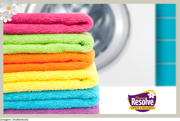 Como tirar o cheiro de mofo em toalhas de banho
