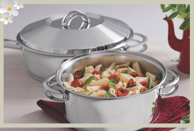Está começando a cozinhar? Anote dicas de pratos simples e utensílios indispensáveis