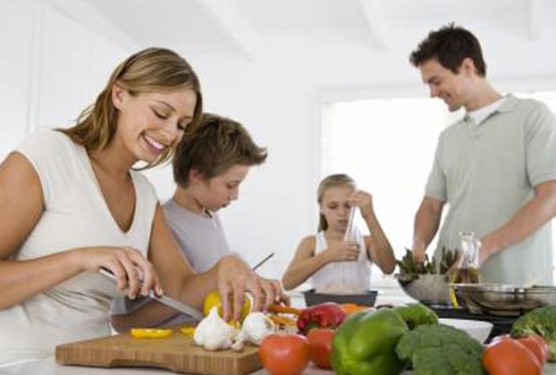 Tarefas de casa podem ser divididas com os filhos