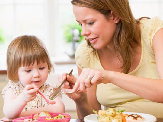 Dicas da Dona – Dicas para ensinar as crianças a comer bem [Parte 1]