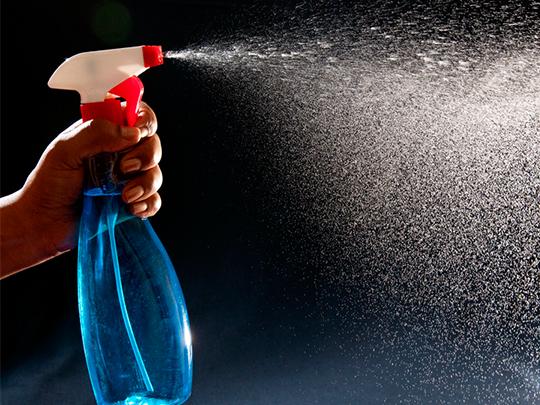 Tua Casa – Como limpar vidros e espelhos sem danos e com segurança
