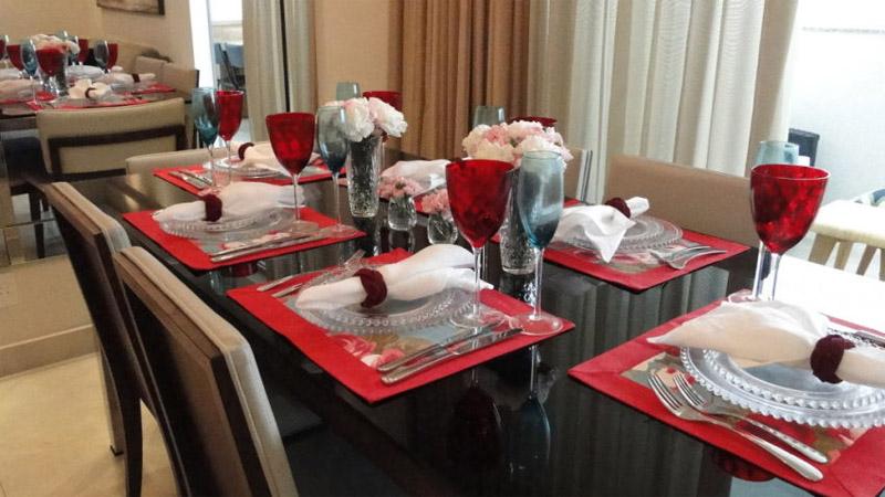 Mesa-de-jantar-decorada-002
