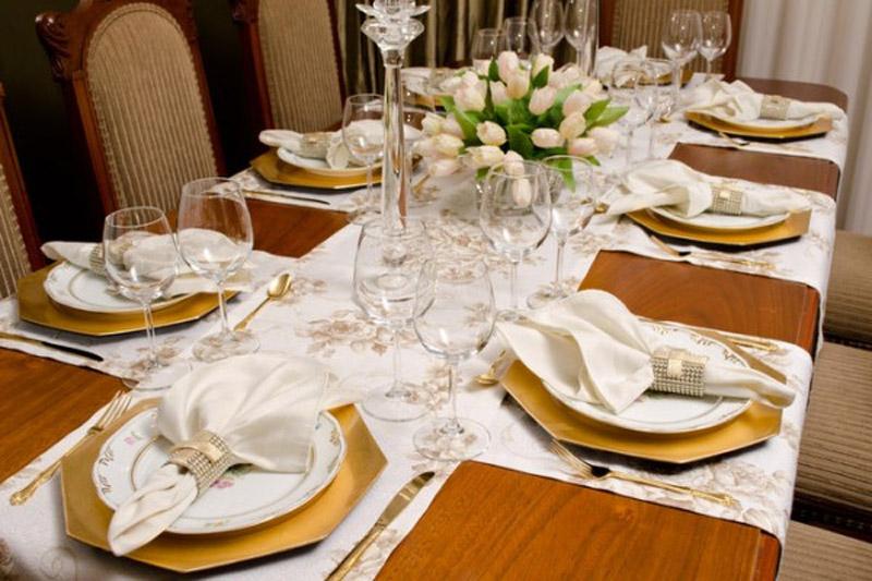Mesa-de-jantar-decorada-004(1)