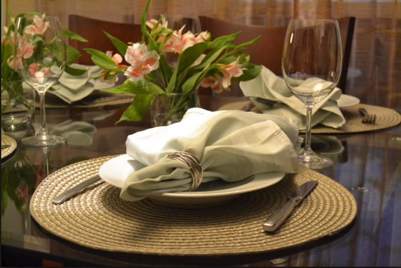 Mesa-de-jantar-decorada-007 (1)