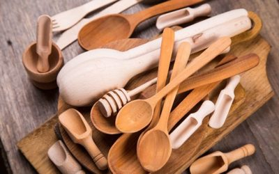 Utensílios de madeira na cozinha